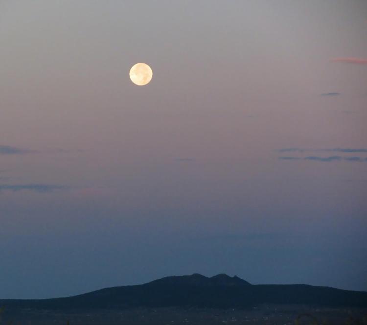full moon 042.jpg